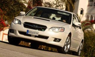 Motor vehicle, Automotive mirror, Automotive design, Mode of transport, Vehicle, Headlamp, Automotive lighting, Land vehicle, Property, Hood,