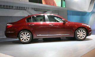 Tire, Wheel, Motor vehicle, Mode of transport, Vehicle, Transport, Alloy wheel, Car, Rim, Full-size car,