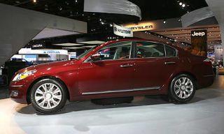 Tire, Wheel, Motor vehicle, Mode of transport, Vehicle, Alloy wheel, Product, Land vehicle, Car, Automotive design,