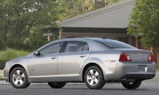 Tire, Wheel, Motor vehicle, Mode of transport, Nature, Road, Vehicle, Automotive tire, Land vehicle, Alloy wheel,