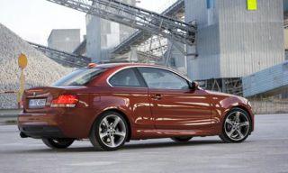 Tire, Wheel, Mode of transport, Automotive design, Vehicle, Alloy wheel, Automotive mirror, Infrastructure, Rim, Automotive tail & brake light,