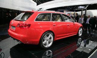 Tire, Motor vehicle, Wheel, Mode of transport, Automotive design, Vehicle, Land vehicle, Transport, Car, Alloy wheel,