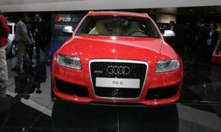 Motor vehicle, Automotive design, Mode of transport, Product, Vehicle, Transport, Grille, Automotive lighting, Car, Automotive mirror,