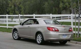 Tire, Wheel, Mode of transport, Road, Vehicle, Land vehicle, Automotive design, Infrastructure, Car, Automotive mirror,