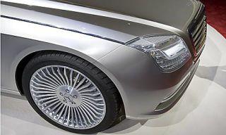 Motor vehicle, Automotive design, Mode of transport, Automotive lighting, Vehicle, Automotive tire, Headlamp, Automotive wheel system, Rim, Car,