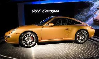 Tire, Wheel, Automotive design, Vehicle, Alloy wheel, Rim, Car, Spoke, Fender, Automotive wheel system,