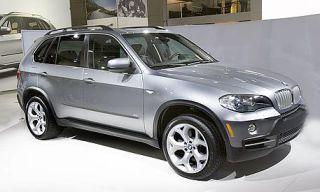 Tire, Wheel, Automotive design, Automotive tire, Vehicle, Product, Land vehicle, Car, Alloy wheel, Rim,