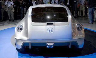 Motor vehicle, Mode of transport, Automotive design, People, Vehicle, Event, Car, Automotive exterior, Personal luxury car, Luxury vehicle,