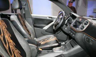 Motor vehicle, Mode of transport, Vehicle, Automotive mirror, Automotive design, Steering part, Steering wheel, Car, Vehicle door, Personal luxury car,