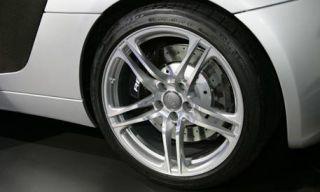 Tire, Motor vehicle, Wheel, Automotive tire, Automotive design, Alloy wheel, Automotive wheel system, Transport, Vehicle, Automotive exterior,