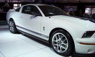 Tire, Wheel, Motor vehicle, Automotive design, Automotive tire, Vehicle, Alloy wheel, Automotive exterior, Land vehicle, Rim,