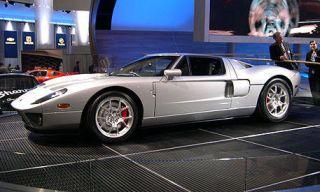Tire, Wheel, Mode of transport, Vehicle, Land vehicle, Automotive design, Transport, Car, Automotive parking light, Rim,