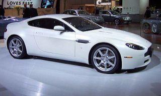 Tire, Wheel, Motor vehicle, Mode of transport, Automotive design, Alloy wheel, Vehicle, Land vehicle, Automotive wheel system, Automotive tire,