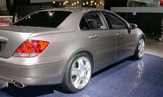 Tire, Wheel, Motor vehicle, Mode of transport, Automotive tire, Alloy wheel, Automotive design, Vehicle, Land vehicle, Automotive lighting,