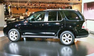 Tire, Wheel, Motor vehicle, Vehicle, Automotive design, Automotive tire, Land vehicle, Car, Rim, Transport,