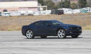 Tire, Motor vehicle, Automotive tire, Mode of transport, Automotive design, Vehicle, Infrastructure, Transport, Road, Rim,