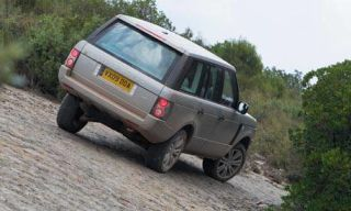 Tire, Wheel, Mode of transport, Automotive tire, Vehicle, Automotive design, Land vehicle, Car, Automotive exterior, Rim,