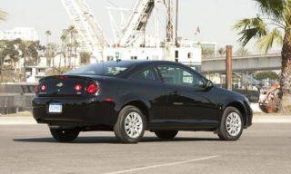 Tire, Motor vehicle, Wheel, Mode of transport, Road, Transport, Automotive design, Automotive mirror, Vehicle, Land vehicle,