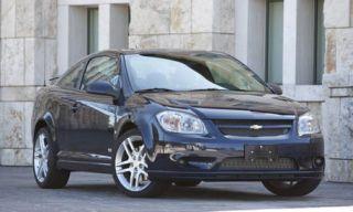 Tire, Motor vehicle, Wheel, Automotive mirror, Mode of transport, Vehicle, Land vehicle, Car, Automotive parking light, Automotive lighting,