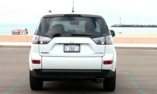 Motor vehicle, Mode of transport, Automotive design, Automotive exterior, Automotive tire, Product, Vehicle, Transport, Automotive mirror, Automotive tail & brake light,