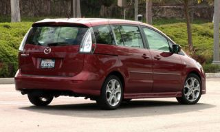 Tire, Motor vehicle, Mode of transport, Automotive mirror, Nature, Automotive design, Vehicle, Transport, Green, Car,