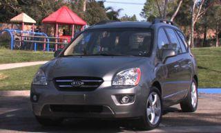 Tire, Motor vehicle, Wheel, Mode of transport, Automotive mirror, Automotive design, Vehicle, Land vehicle, Transport, Car,