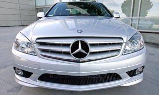Motor vehicle, Mode of transport, Automotive design, Vehicle, Automotive mirror, Transport, Automotive exterior, Headlamp, Hood, Automotive lighting,
