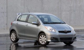 Motor vehicle, Tire, Automotive mirror, Mode of transport, Automotive design, Vehicle, Transport, Glass, Automotive tire, Car,