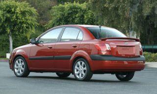 Tire, Wheel, Motor vehicle, Mode of transport, Nature, Transport, Vehicle, Automotive tire, Automotive design, Rim,