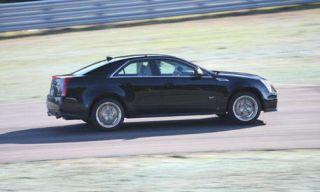 Tire, Wheel, Automotive design, Vehicle, Land vehicle, Car, Alloy wheel, Rim, Fender, Automotive tire,