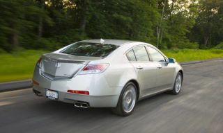 Motor vehicle, Tire, Wheel, Mode of transport, Nature, Road, Vehicle, Transport, Infrastructure, Automotive design,