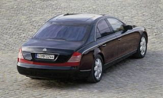 Tire, Wheel, Mode of transport, Vehicle, Automotive design, Transport, Land vehicle, Car, Rim, Full-size car,