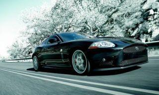 Tire, Motor vehicle, Mode of transport, Automotive design, Automotive mirror, Vehicle, Transport, Hood, Infrastructure, Headlamp,