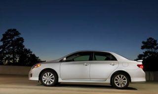 Tire, Wheel, Motor vehicle, Mode of transport, Alloy wheel, Automotive design, Vehicle, Land vehicle, Automotive mirror, Rim,