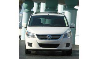 Motor vehicle, Automotive mirror, Mode of transport, Product, Transport, Automotive design, Vehicle, Glass, Headlamp, Automotive lighting,