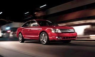 Tire, Motor vehicle, Wheel, Mode of transport, Automotive mirror, Automotive design, Transport, Vehicle, Infrastructure, Automotive lighting,
