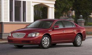Tire, Mode of transport, Transport, Vehicle, Window, Infrastructure, Car, Automotive parking light, Alloy wheel, Rim,