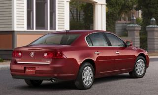 Tire, Motor vehicle, Wheel, Mode of transport, Vehicle, Land vehicle, Transport, Property, Car, Rim,