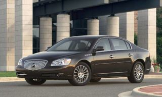 Tire, Wheel, Mode of transport, Transport, Vehicle, Automotive tire, Alloy wheel, Land vehicle, Infrastructure, Rim,