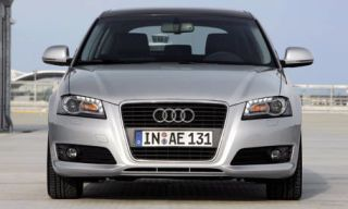Motor vehicle, Mode of transport, Automotive design, Product, Transport, Blue, Daytime, Vehicle, Automotive exterior, Automotive lighting,