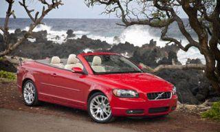 Motor vehicle, Mode of transport, Nature, Automotive design, Vehicle, Hood, Car, Red, Landscape, Grille,