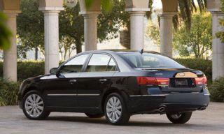 Tire, Wheel, Mode of transport, Automotive design, Vehicle, Alloy wheel, Land vehicle, Rim, Car, Automotive mirror,