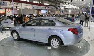 Motor vehicle, Tire, Wheel, Mode of transport, Vehicle, Product, Automotive tire, Land vehicle, Alloy wheel, Automotive design,