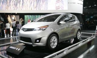 Tire, Motor vehicle, Wheel, Mode of transport, Product, Automotive design, Transport, Vehicle, Land vehicle, Automotive mirror,
