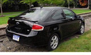 Motor vehicle, Tire, Wheel, Mode of transport, Automotive design, Vehicle, Land vehicle, Car, Automotive mirror, Vehicle registration plate,