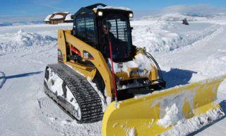 Mode of transport, Nature, Winter, Yellow, Transport, Automotive design, Freezing, Snow, Automotive tire, Travel,