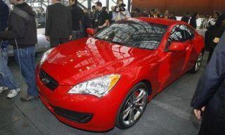 Tire, Motor vehicle, Automotive design, Mode of transport, Vehicle, Event, Land vehicle, Automotive lighting, Headlamp, Car,