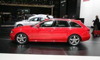 Tire, Wheel, Motor vehicle, Mode of transport, Automotive design, Vehicle, Land vehicle, Alloy wheel, Automotive tire, Rim,