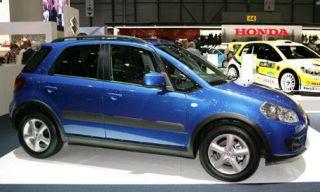 Tire, Wheel, Motor vehicle, Mode of transport, Vehicle, Land vehicle, Transport, Automotive tire, Car, Automotive design,