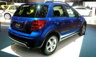 Tire, Wheel, Motor vehicle, Mode of transport, Automotive design, Vehicle, Land vehicle, Automotive tire, Alloy wheel, Car,